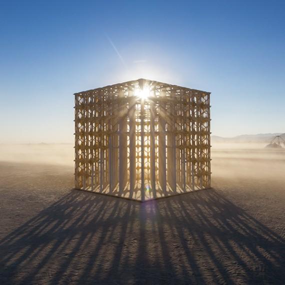 Renaissance. Renaixement by Pink Intruder. Burning Man. Burning Fallas